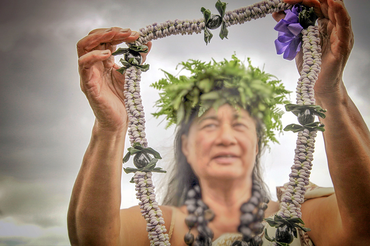 Honoring hawaiis lei on may day hawaiian airlines according to the hawaiian lei by ronn ronck lei day held every may first got its start when poet don blanding suggested a new holiday he created around izmirmasajfo